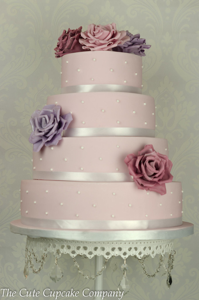 Wedding Cakes With Pearls And Lace