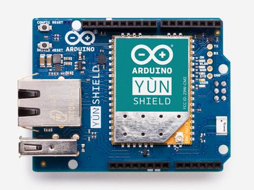 Arduino yún shield cc en main