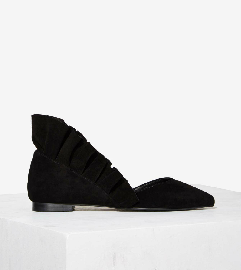 Jeffrey Campbell Coronado Suede Shoes, jeffrey campbell, zwarte flatjes, damesschoenen, nastygall, final sale, jeffrey campbell schoenen, jeffrey campbell sale, fashion blogger, webshop, webshop schoenen, fashion is a party, ruffles, ruffled up
