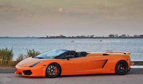 Long Lamborghini Galla...