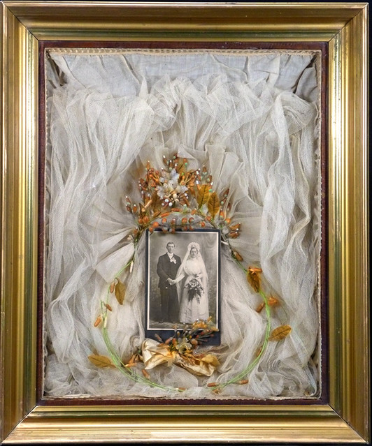 Wedding Gown Display: Wedding Cabinet Card With Veil And Buttoner