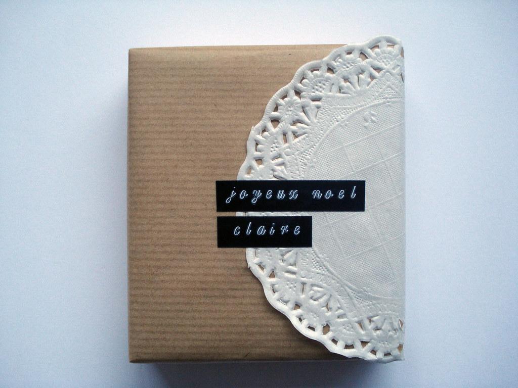 21 emballage papier cadeau papier kraft napperon papier flickr. Black Bedroom Furniture Sets. Home Design Ideas