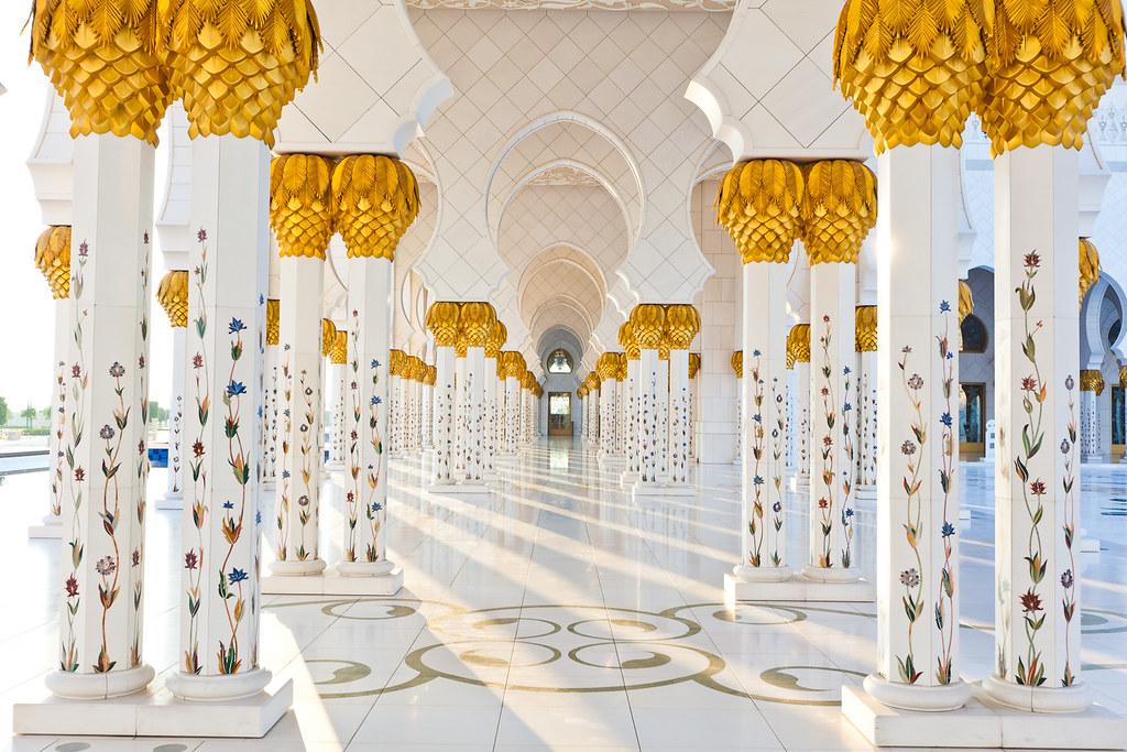 Abu Dhabi 2011 Beautiful Pillars Of The Grand Mosque