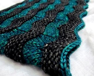 teal cropped | by hello-knitty