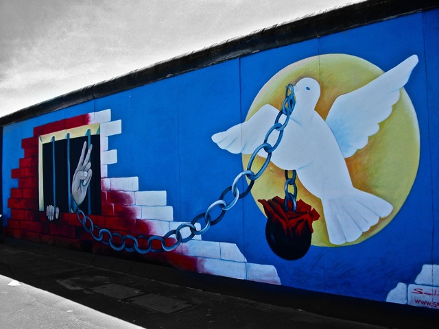 Berlin wall art jeff nesanelis flickr for Art director jobs berlin