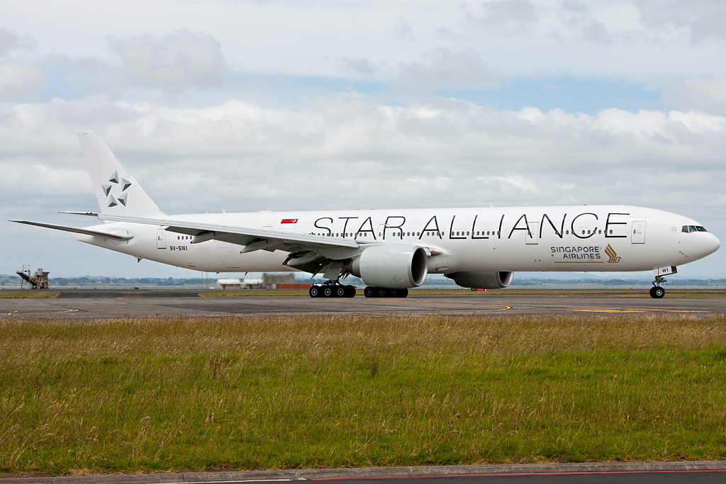 Singapore Airlines Boeing 777 300er Star Alliance Livery
