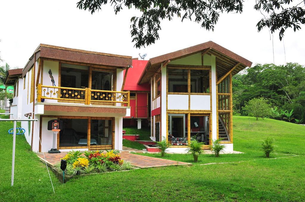 Casas construidas con pasto dise o y construcci n zuarq for Construccion casas
