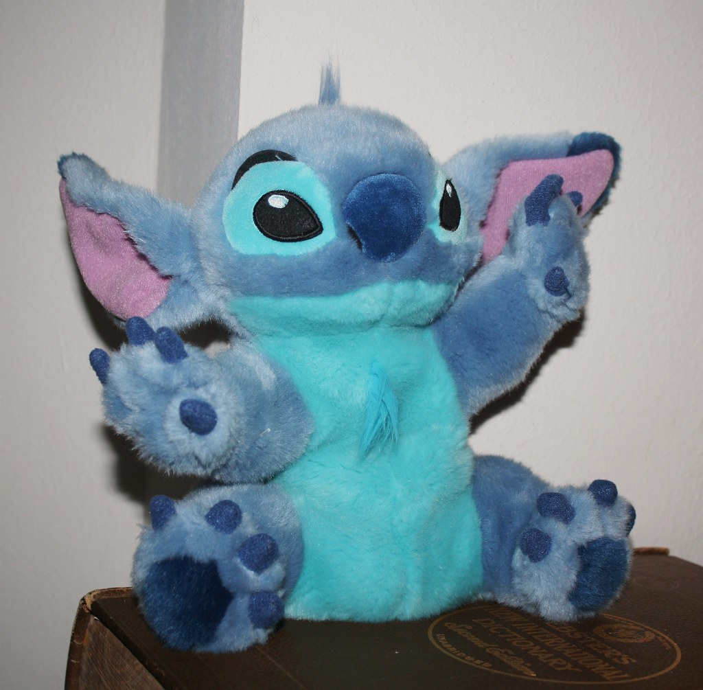 how to make a stitch puppet