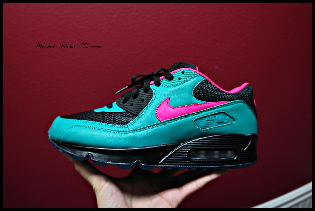 ... Nike Air Max 90 iD | by Never Wear Them