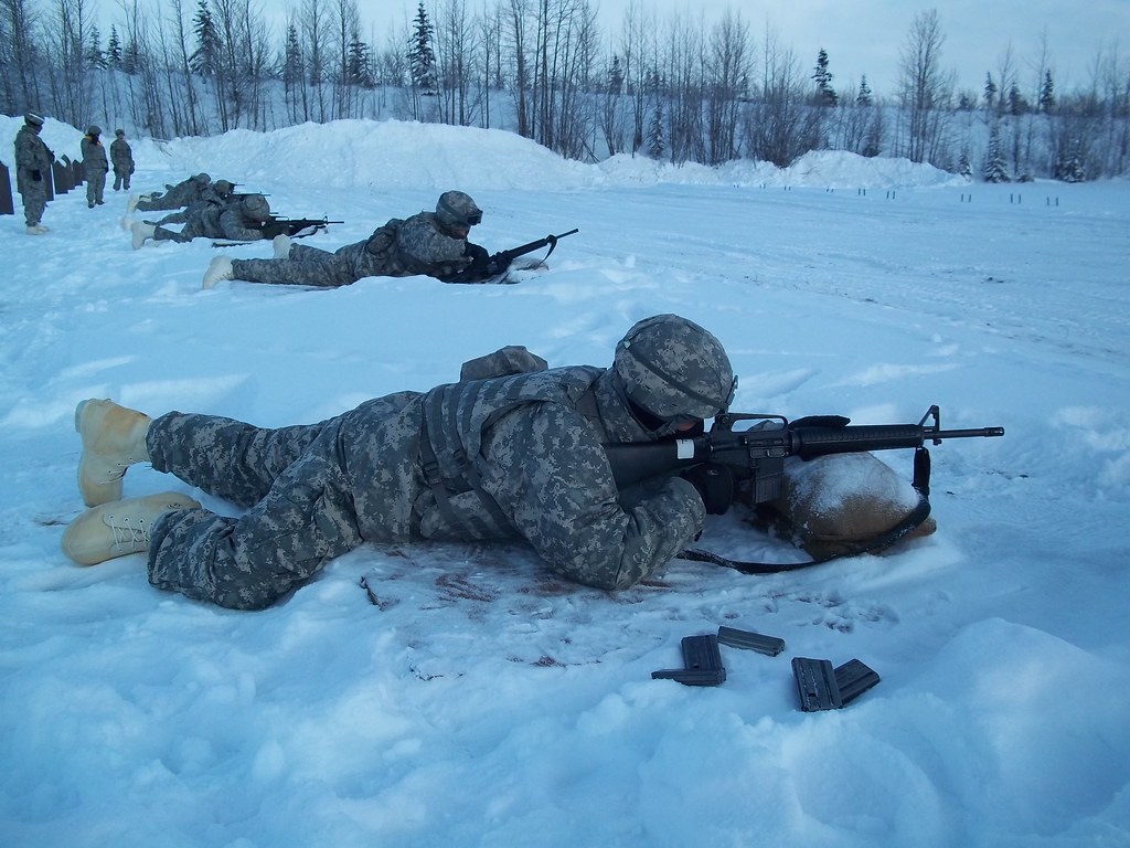 Arctic weapons qualification   Soldiers from 59th Signal ...