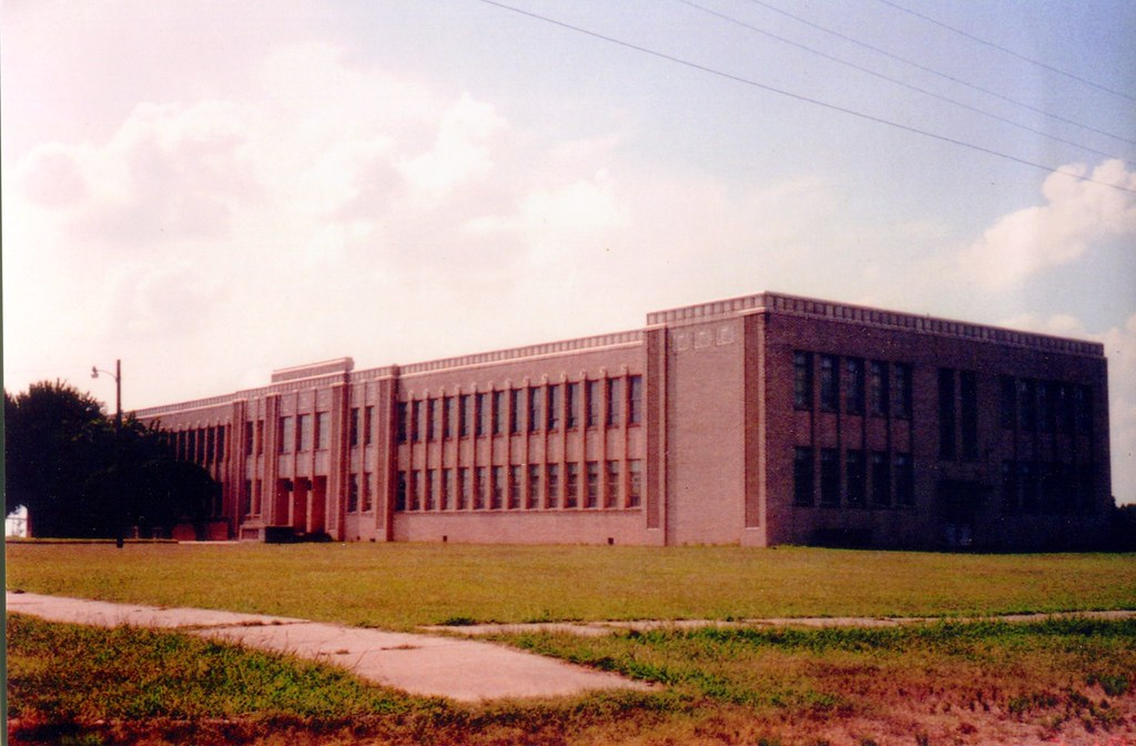 Talco Texas High School Built 1939 With Over 300