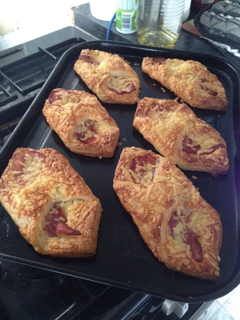 how to make bacon and cheese turnovers
