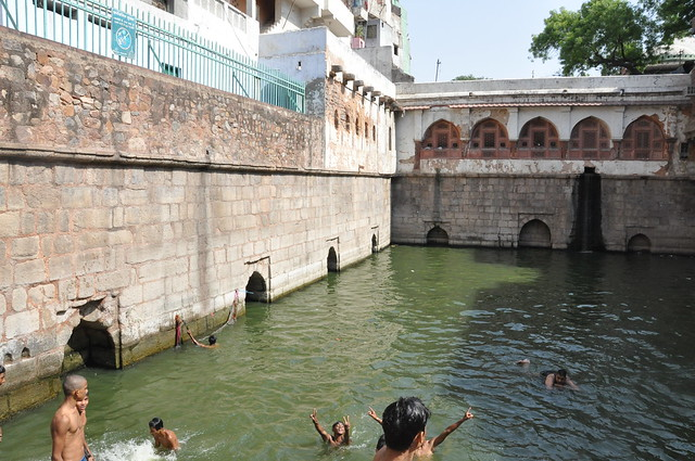 Boys flock to the cool 'baoli' to swim, just as they did 200 years ago during the time of the then civil servant of East India Company, Sir Thomas Metcalfe. He compiled an album,'Reminiscences of Imperial Delhi' (Dehlie Book or Delhi Album) in 1844, which contains 89 folios around 130 paintings, which is now with the British Library and shows a similar scene in a painting.