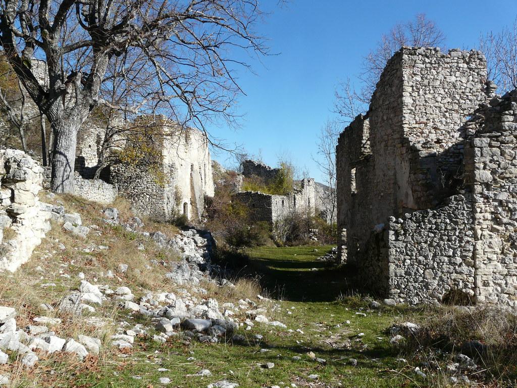 Village abandonn chateauneuf les moustiers dans les gorge flickr - Acheter village abandonne ...