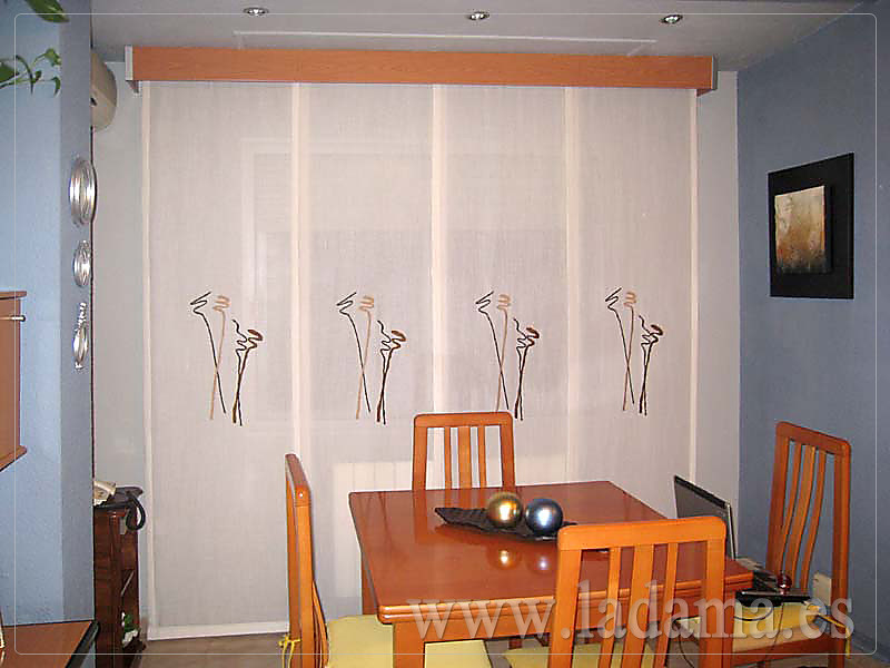 Decoraci n para salones cl sicos cortinas con dobles cort for Ganchos para cortinas de madera
