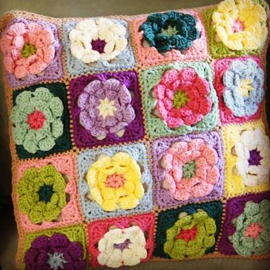 Granny Flower Square Pillow // Free Crochet Pattern | Flickr