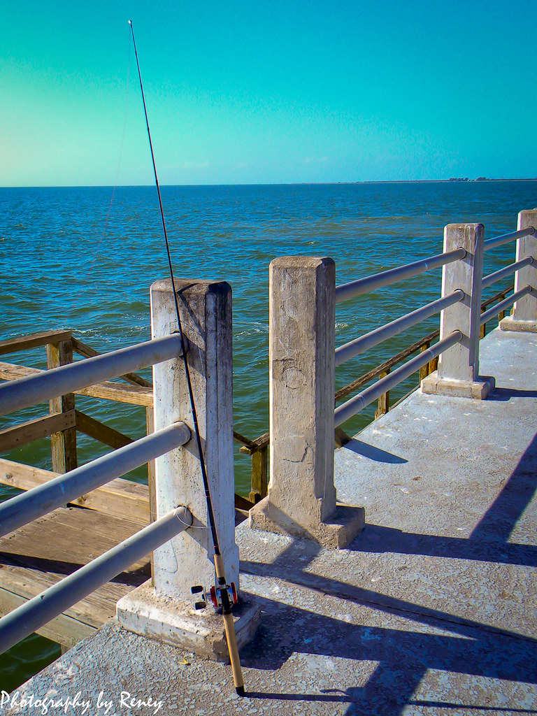 Fishing pier taken at ft de soto in st petersburg fl for Fort desoto fishing pier