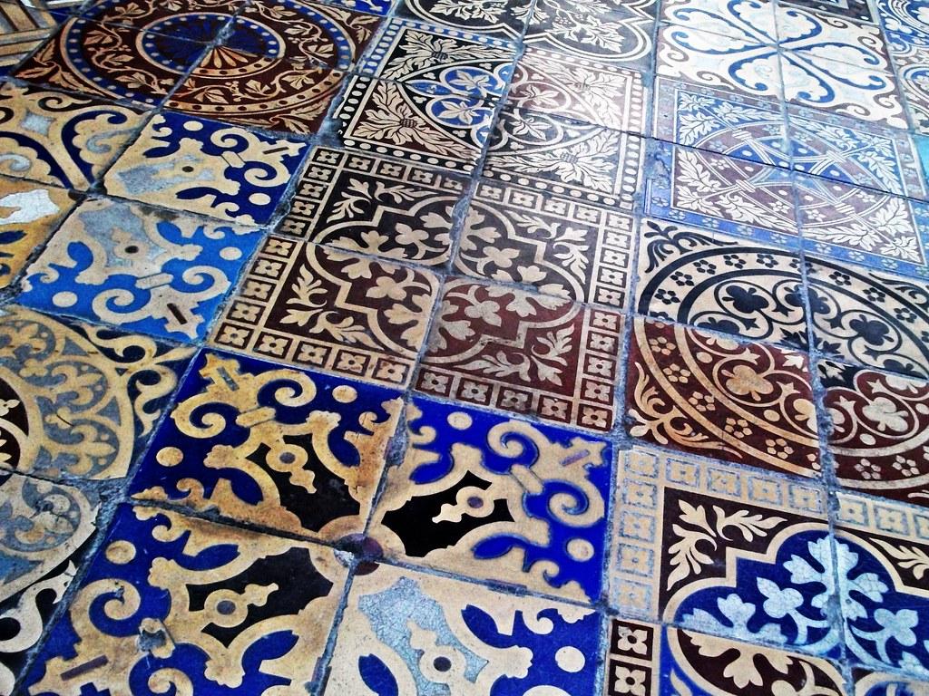 Tiled Gladstone Pottery Longton Stoke On Trent A Pottery