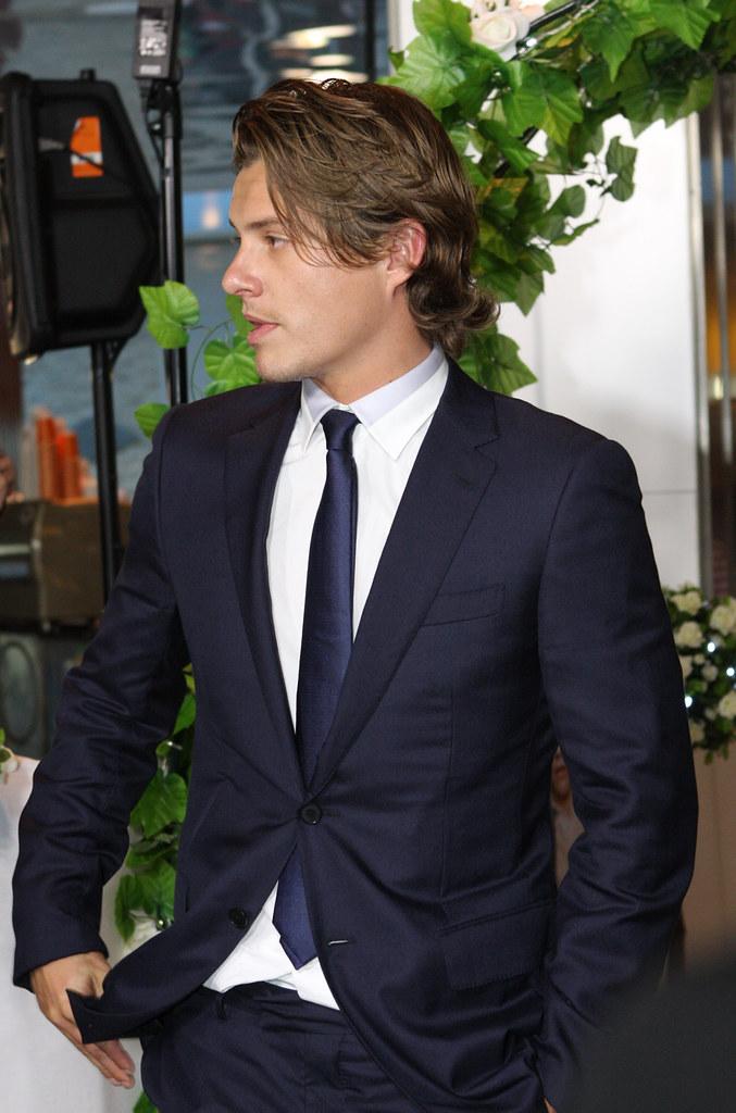Xavier Samuel Black Hair