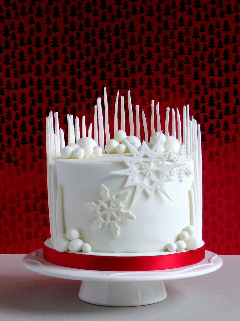 Elegant Christmas Cake Decorations : Christmas Cake I hope that you all had a lovely ...