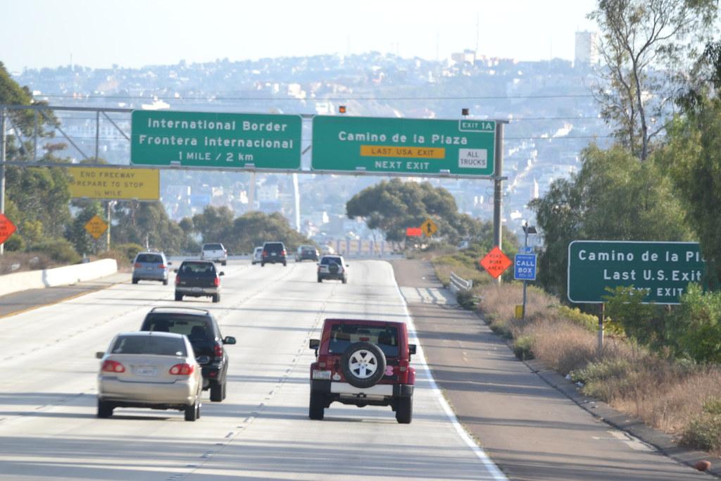 Resultado de imagen para driving Tijuana