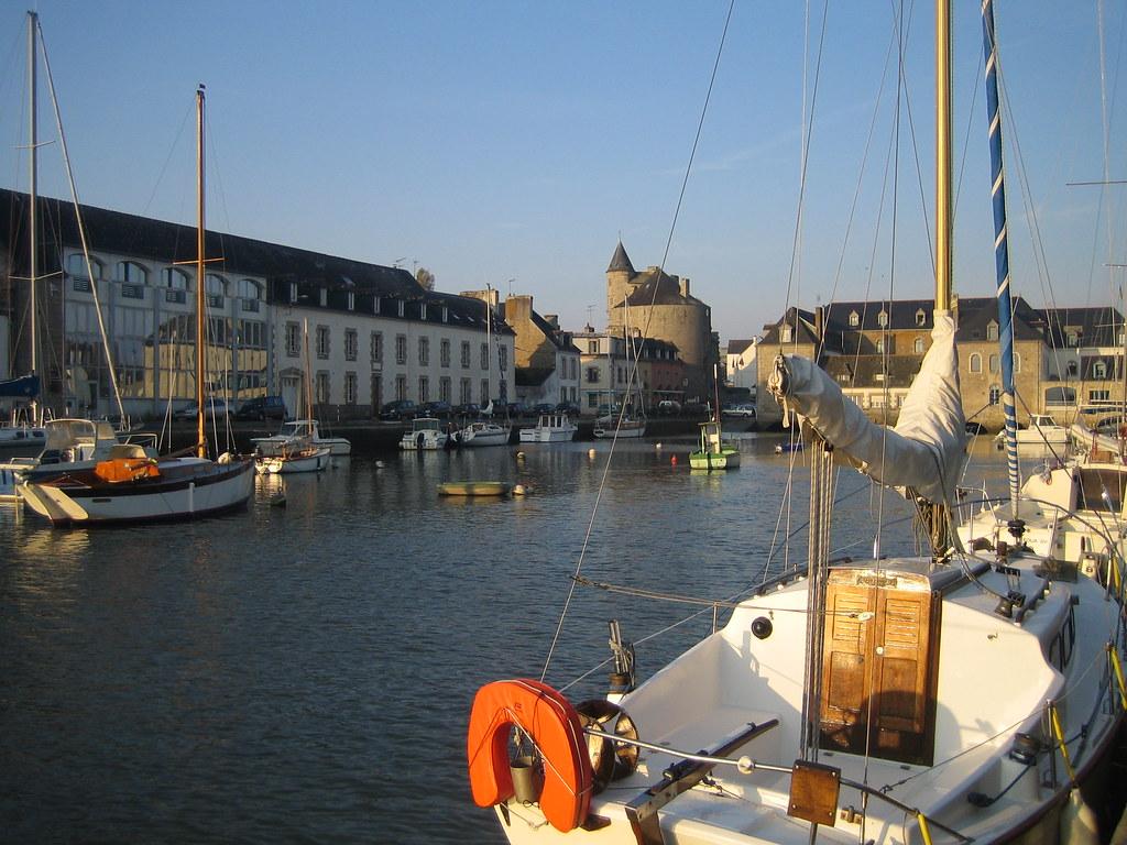 Vue du port de la rivi re de pont l 39 abb office de - Piscine aquasud pont l abbe ...