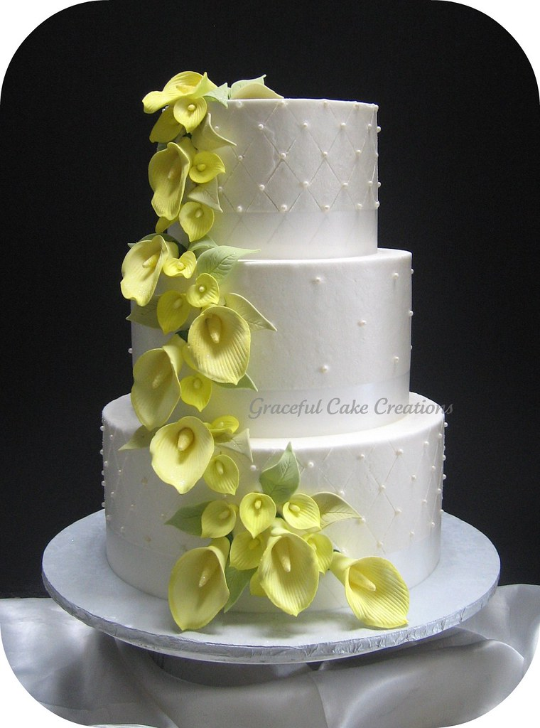 Calla Lily Peach Wedding Cake