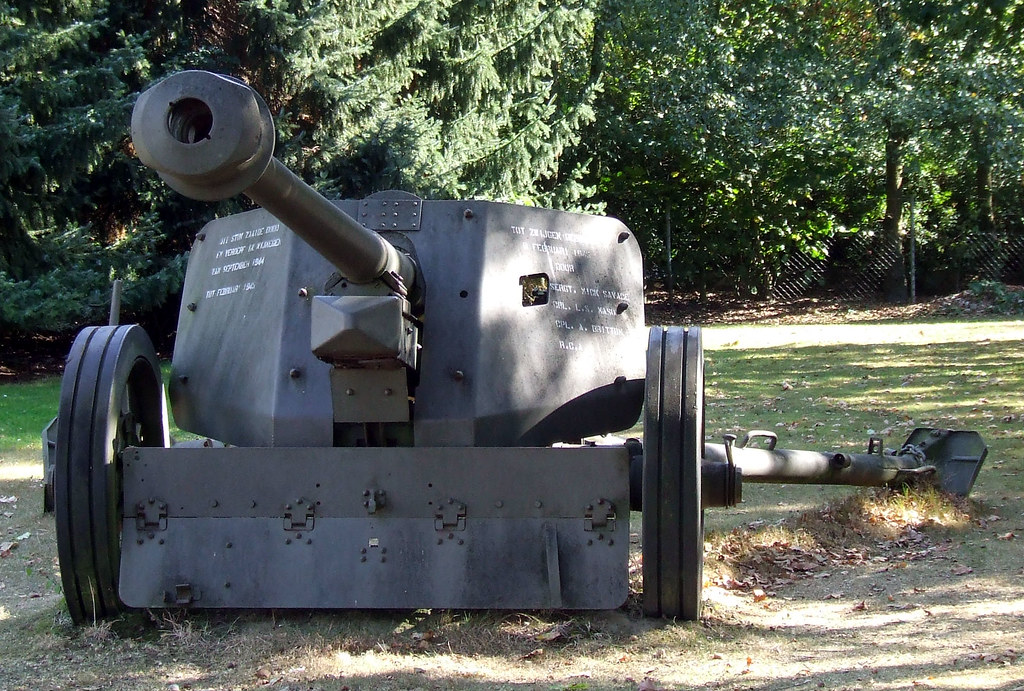 German 50 Mm Anti Tank Gun: PaK 40 75mm Anti-tank Gun.
