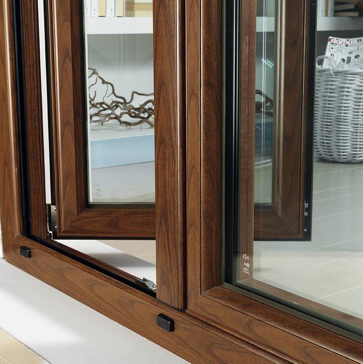 Still life esterno portafinestra mito diego ciarloni for Finestre in alluminio taglio termico prezzi