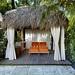 Tiki cabana frontal