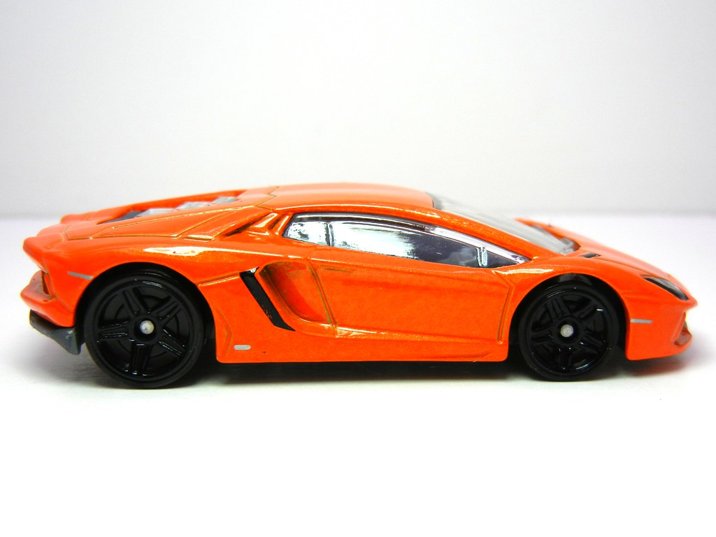 hot wheels 39 12 lamborghini aventador 3 justjdm. Black Bedroom Furniture Sets. Home Design Ideas