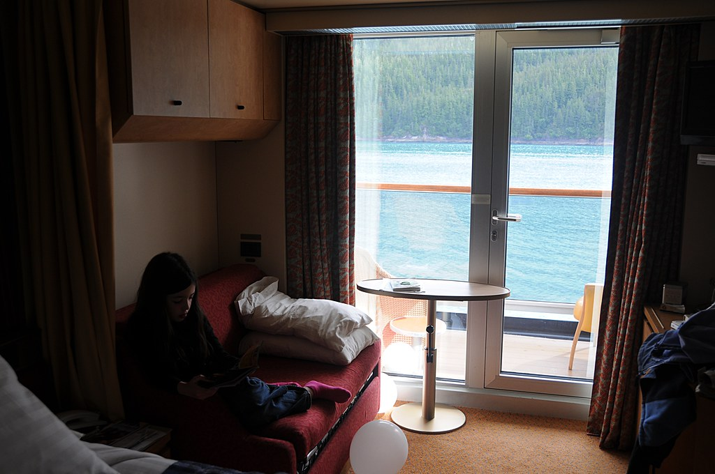 MS Zuiderdam veranda cabin | Here's our veranda cabin on ...