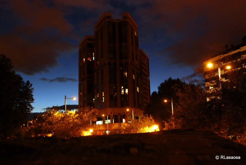 Avenida del ej rcito pamplona el llamado edificio - Edificio singular pamplona ...