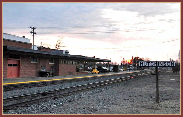 Amtrak Depot Hutchinson Ks From Wikipedia By Loco