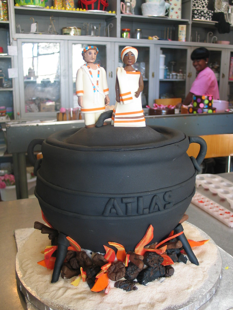 3d Potjie Pot Shaped Wedding Cake With 3d Bride Amp Groom