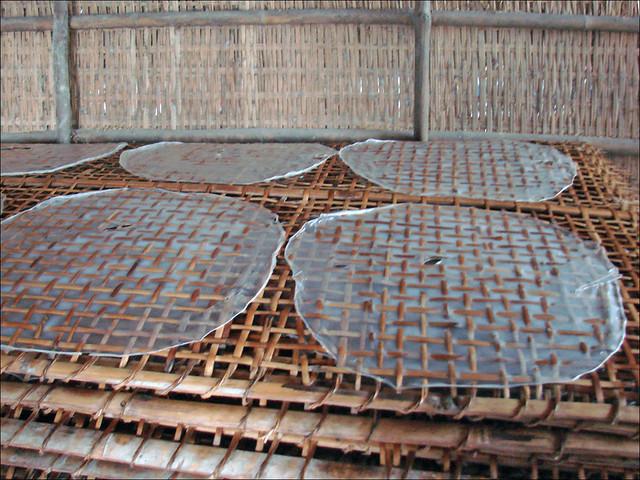 Fabrication des galettes de riz (Cai Be, Vietnam)