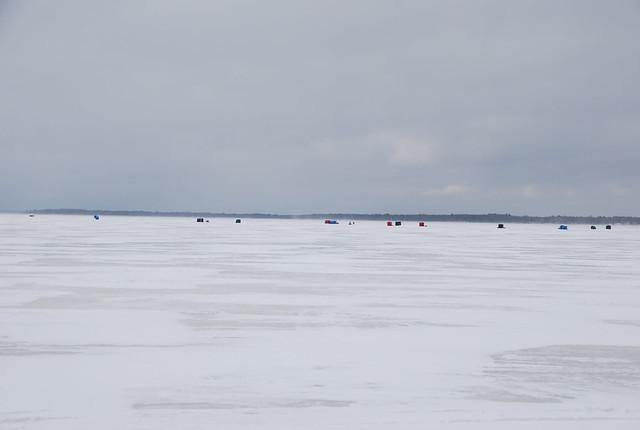 Ice fishing shanties on houghton lake michigan during tip for Ice fishing michigan