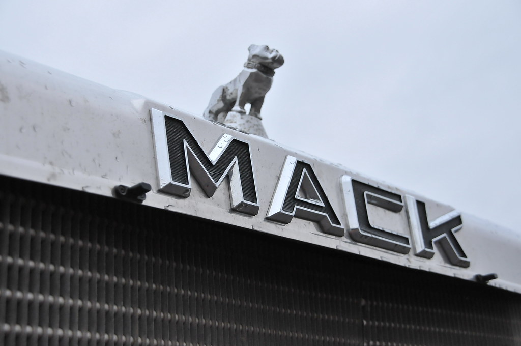 Mack Trucks Logo MACK TRUCK BADGE EMBLE...