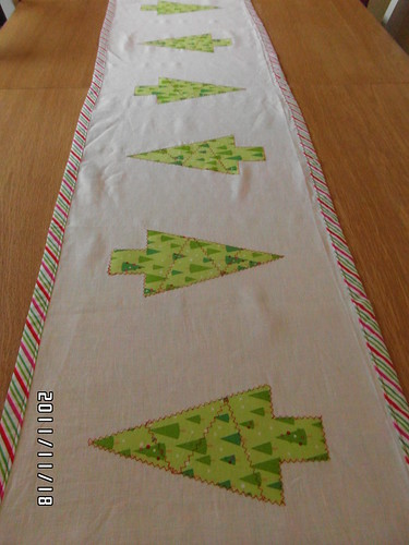Christmas table runner | by shellybeana