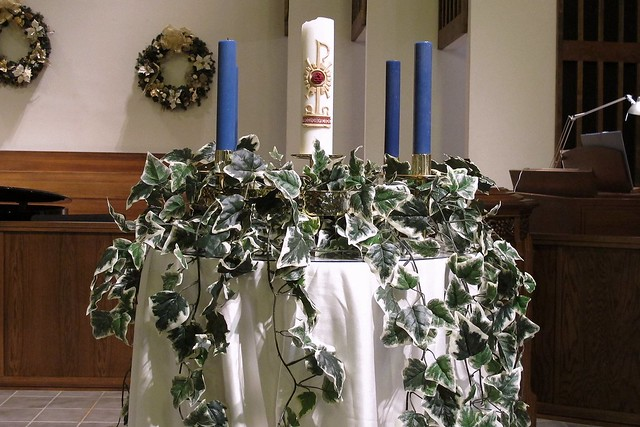 Advent decorations advent wreath part of our advent for Advent decoration ideas