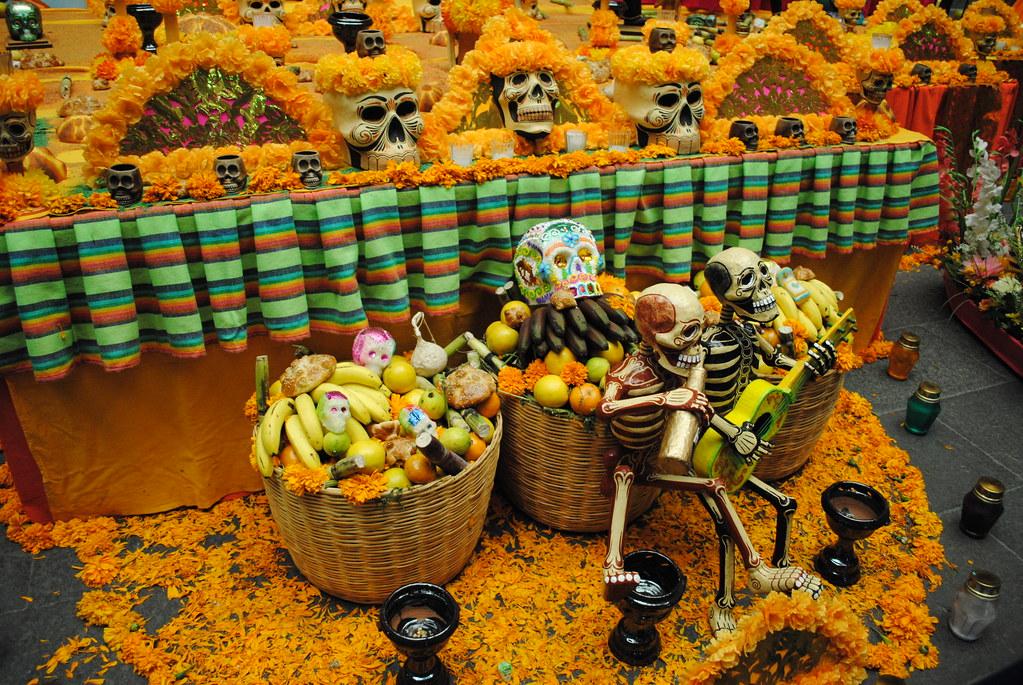 mexique, fête des morts, détails d'une offrande. | les fleur… | flickr
