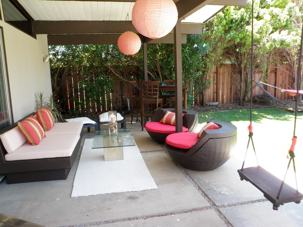 eichler modern backyard w outdoor living room laura lippay flickr