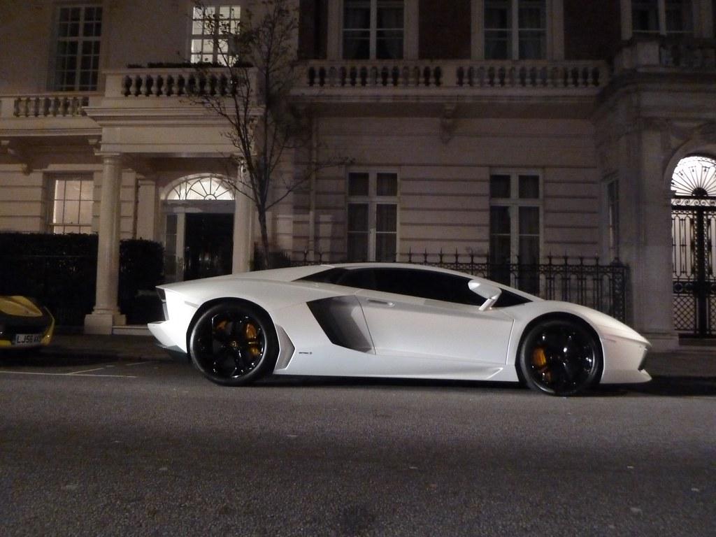 Lamborghini Aventador matte White LP700-4 | Ben | Flickr