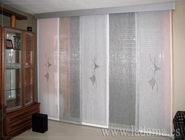 Decoraci n para salones modernos cortinas paneles japone - Estores para salones ...