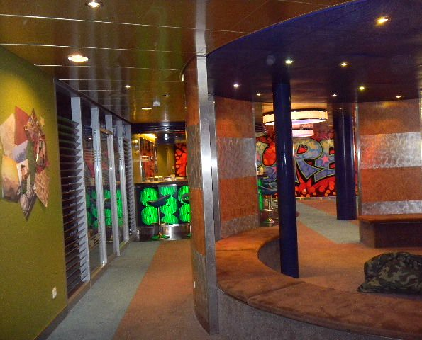 Allure of the seas teen club the living room margalit francus flickr - The allure of the modular home ...