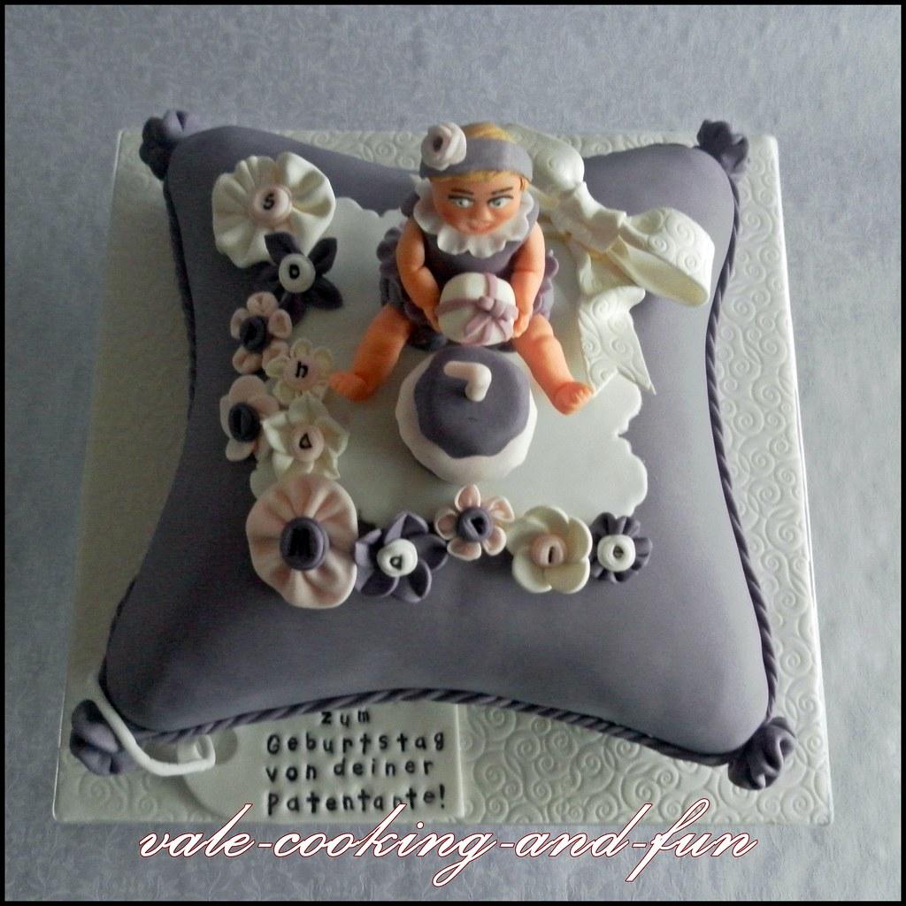 Pillow Cake Pan Serving