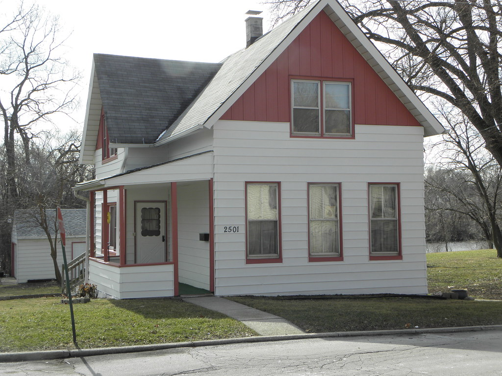 White house with red trim blue island il mike steele - White house with blue trim ...