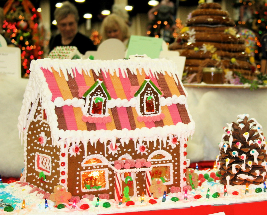 Sugar Cookie Lodge And Beehive Gingerbread Houses Sweet