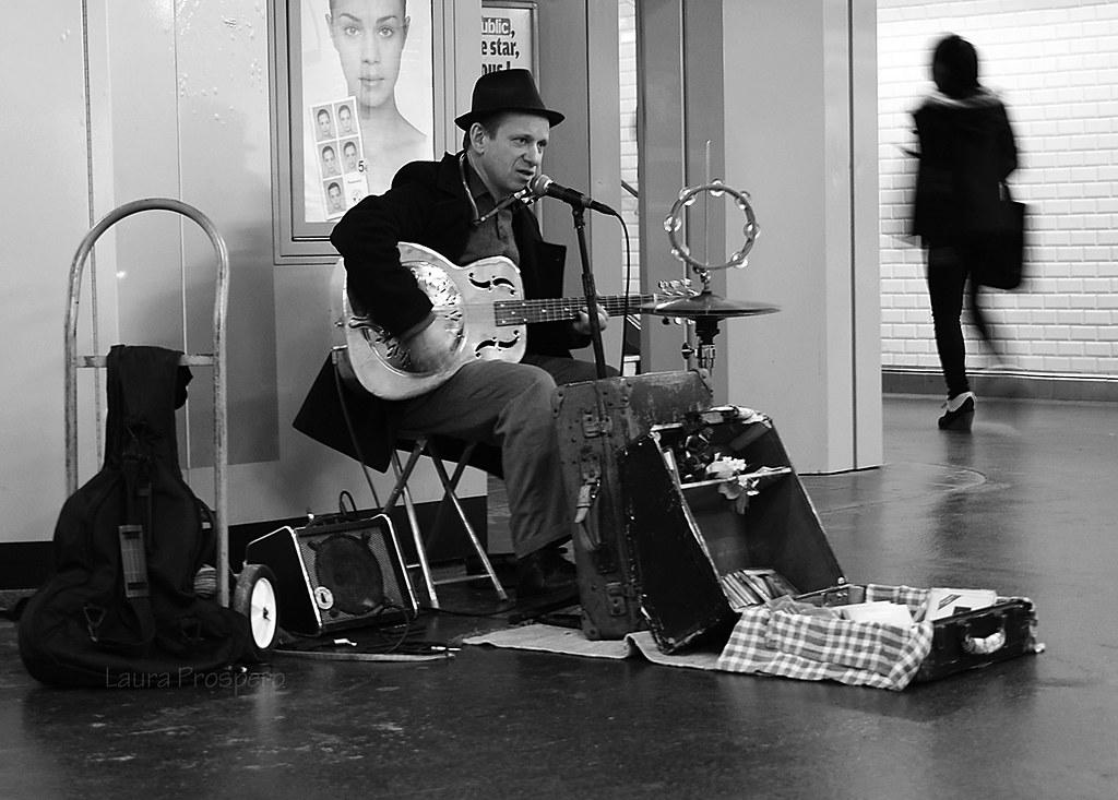 """Résultat de recherche d'images pour """"musicien métro"""""""