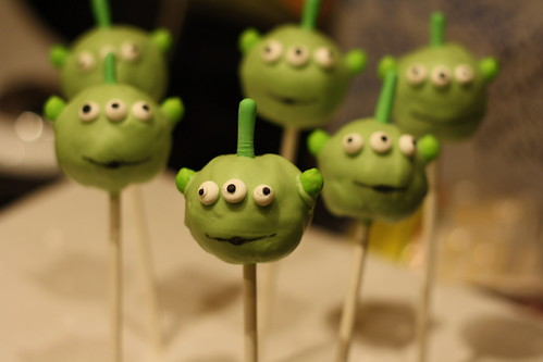 Alien Cake Pops | by bakers-cakes